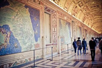 Gray Line Skip-The-Line Vatican Museums, Sistine Chapel & St. Peter's Basilica - Morning