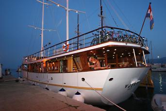 Gulet Vjeko Charter (Whole Gulet 9 cabins)
