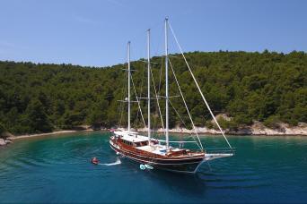 Gulet Dolce Vita Private Charter (5 cabins)