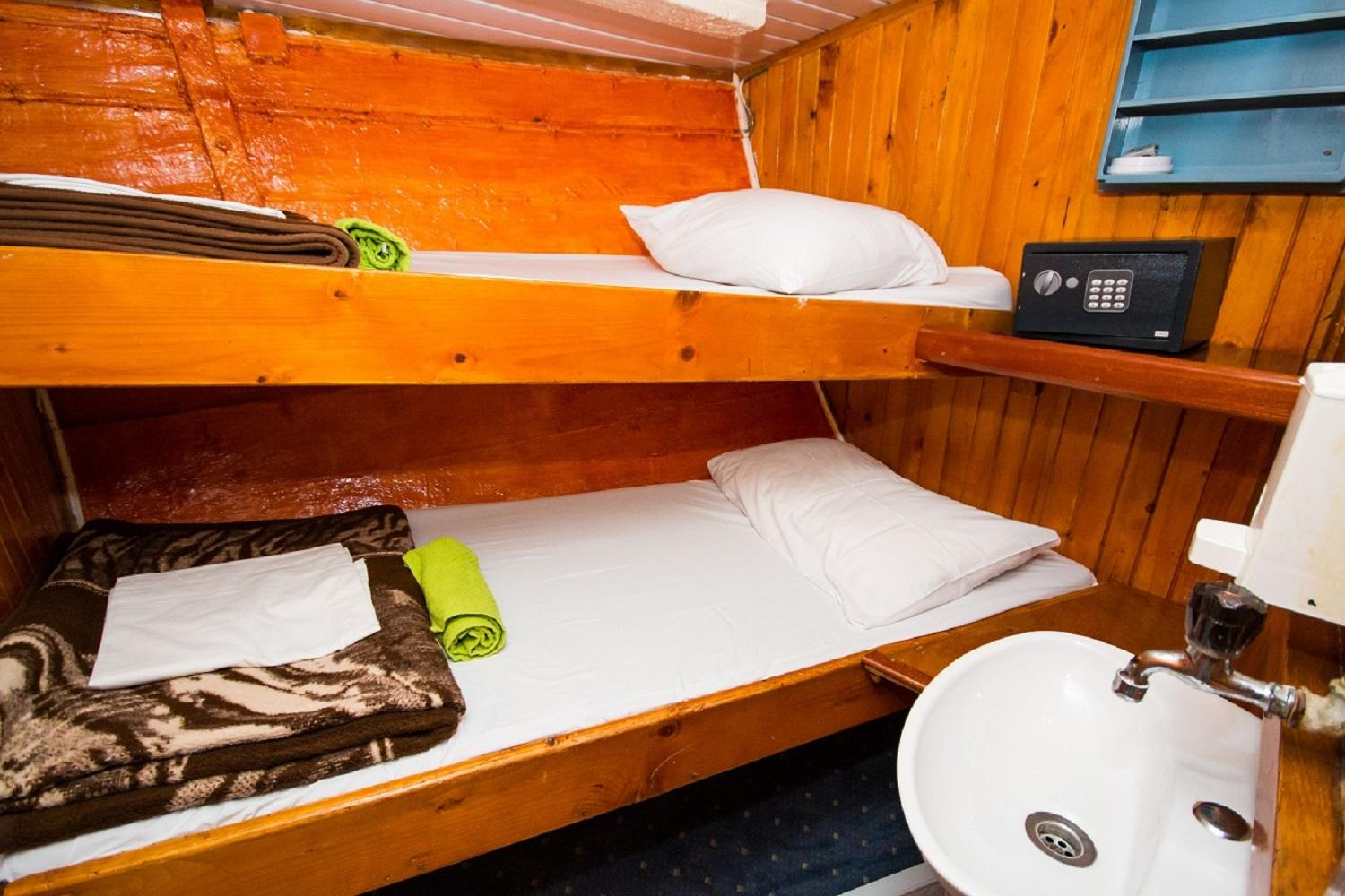 TRAD cabin (all bunk beds)