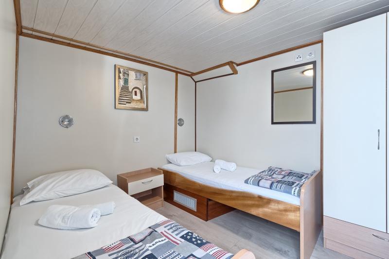 ENS Above Deck triple cabin