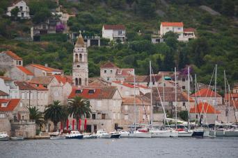 Island Hopping; Split Vis Brac Hvar Korcula Dubrovnik 10nts