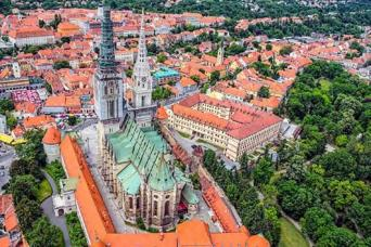 Zagreb, Sarajevo, through Croatia and Slovenia to Venice Escorted Coach Tour 13nts (Saturdays)