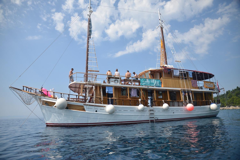 Traditional Ships (TRAD)