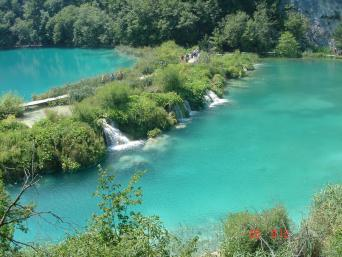Day Tour to Plitvice Lakes with one-way transfer Zagreb to Split (full day)