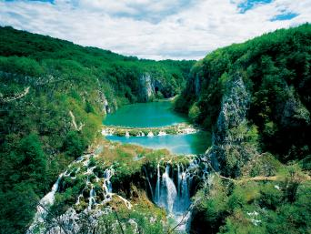 Day Tour to Plitvice Lakes with one-way transfer Split to Zagreb (full day)