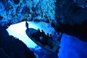 Day Tour to Blue Cave, Vis and Hvar Island by Boat from Split; return (full day)