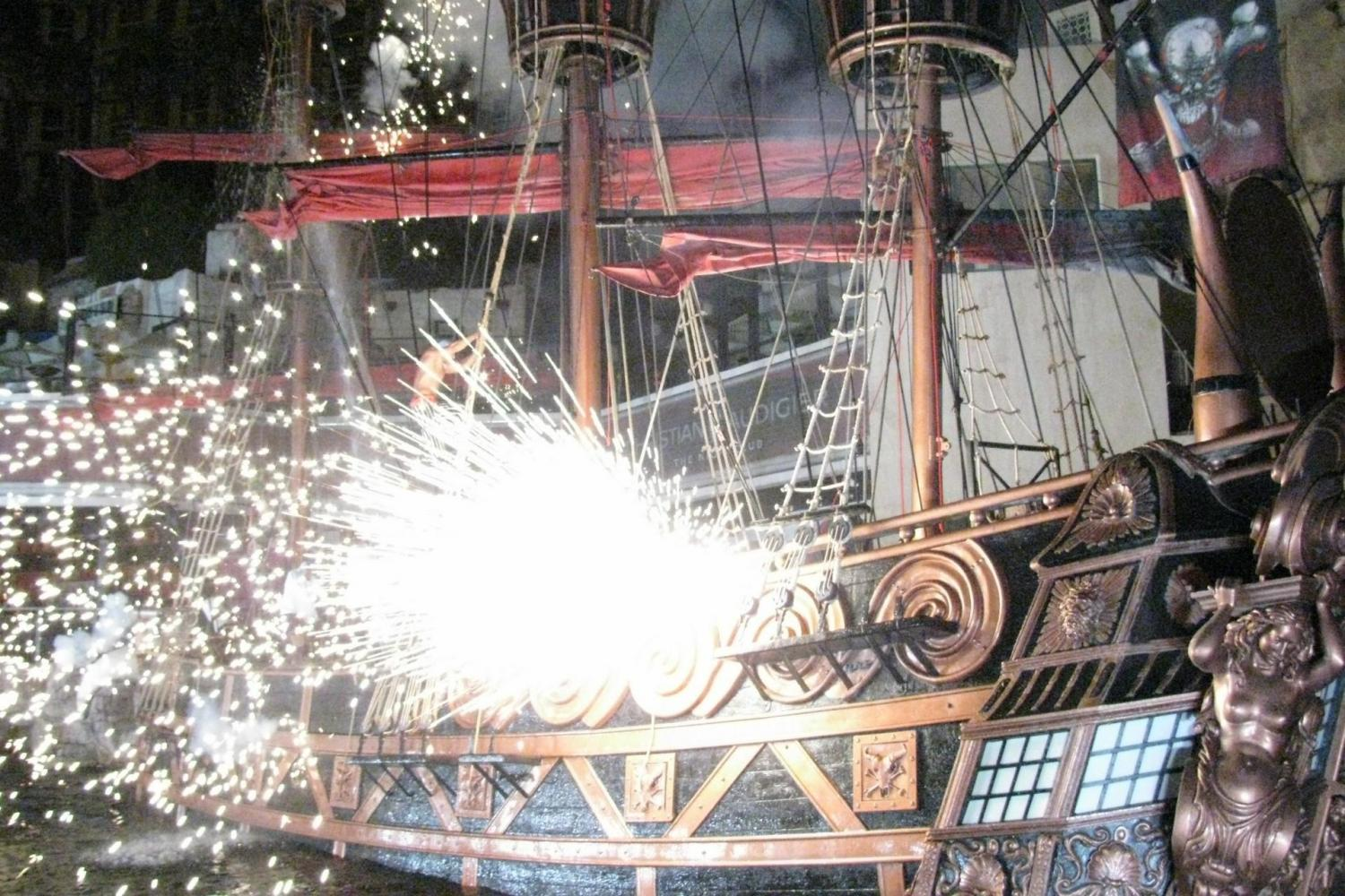 Jolly Roger Pirate Night Show & Dinner Cruise From Cancun