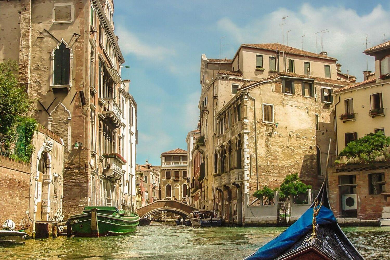 Enchanting Venice Gondola Experience