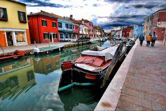 Gray Line The Islands of the Lagoon: Murano & Burano