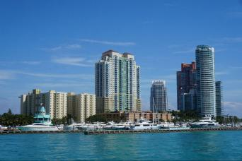 Gray Line Miami Tour With Celebrity Homes Star Island Boat Cruise from Orlando