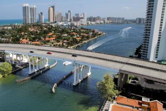 Gray Line Miami City Tour
