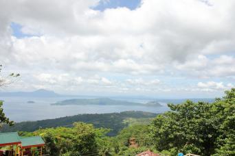 Gray Line Panoramic Tagaytay Ridge Tour from Manila