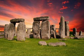 Day Trip to Stonehenge, Windsor & Bath