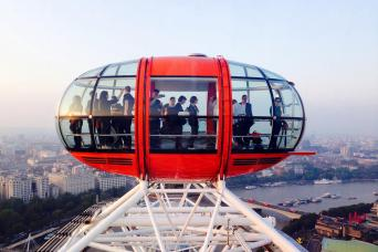 Gray Line Hop-On Hop-Off London - 1 Day Pass & Coca-Cola London Eye