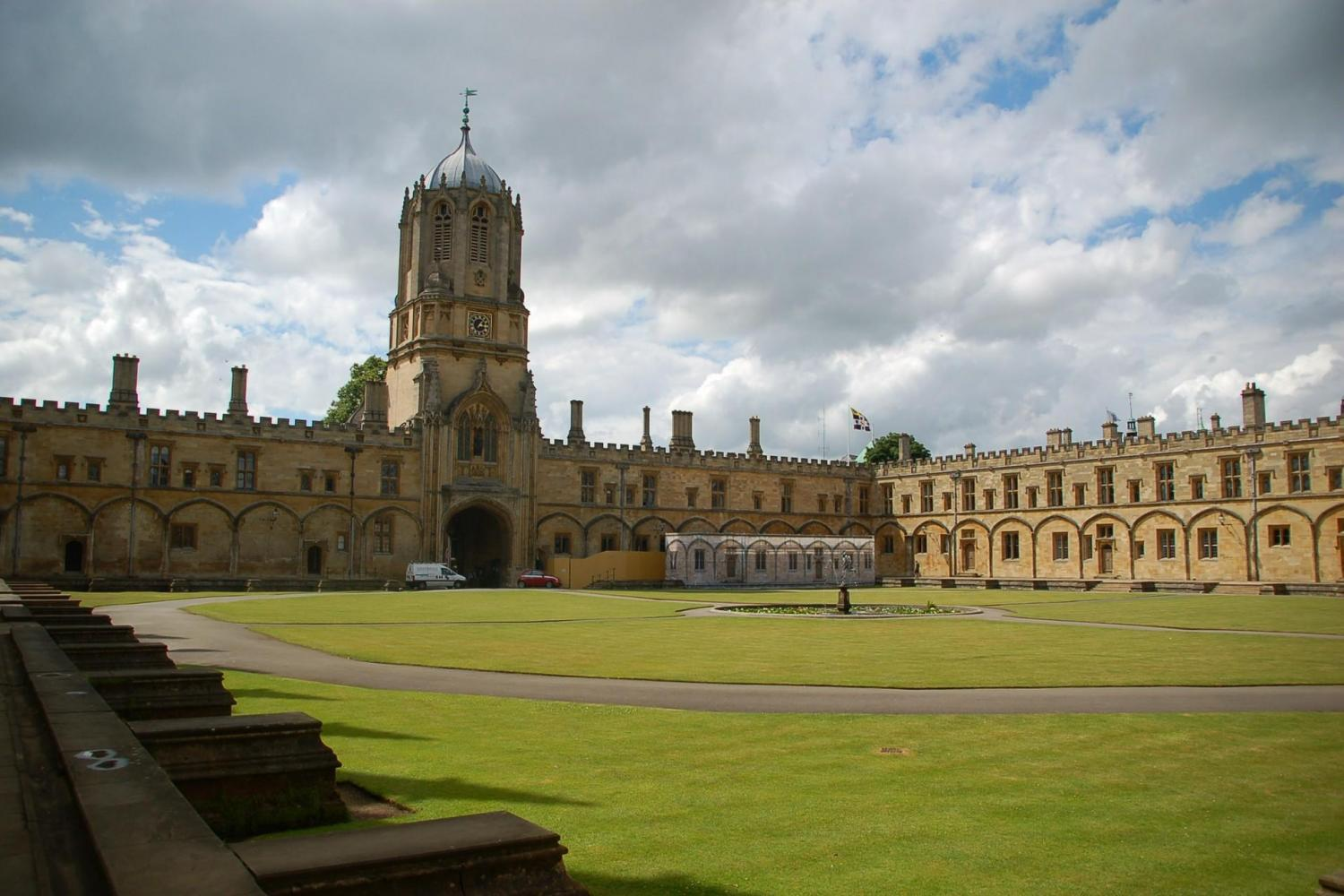 Deluxe Oxford, Stratford, Cotswolds & Warwick Castle Day Trip