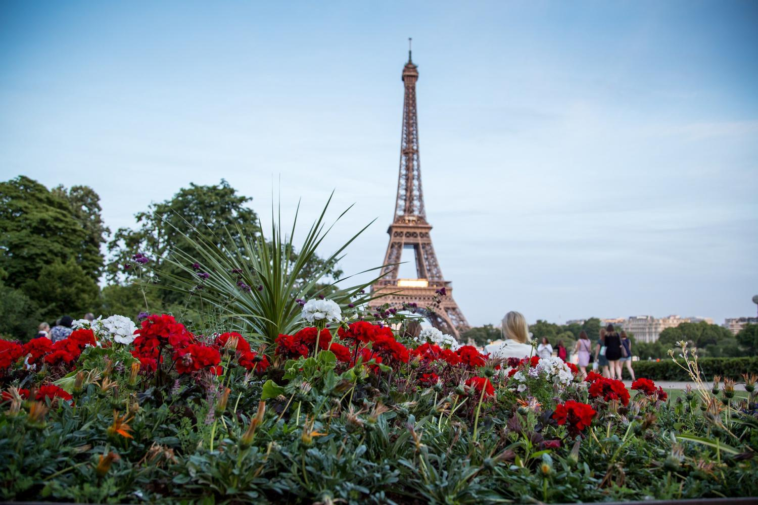 Fully-Escorted Day Trip To Paris From London With Hotel Transfer
