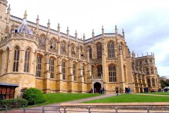 Gray Line All-Inclusive Day Tour to Windsor, Stonehenge & Bath
