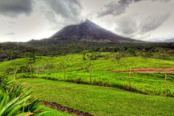 Gray Line From Jaco - Arenal Volcano and Baldi Hot Springs