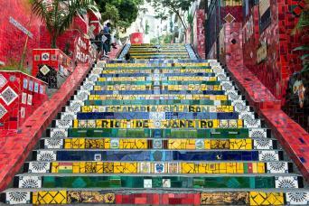 Gray Line Walking Tour of Santa Teresa and Selaron Steps by Foot