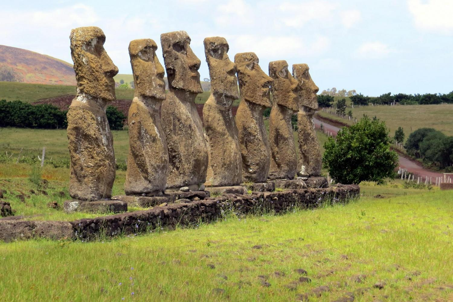 7 Moai at Ahu Akivi