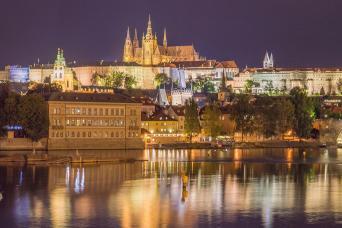 Gray Line Prague By Night City Tour