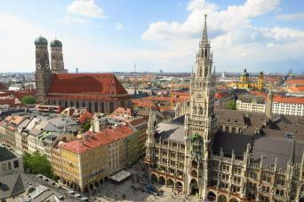 Gray Line Munich City Tour & Bavaria Film City Combo