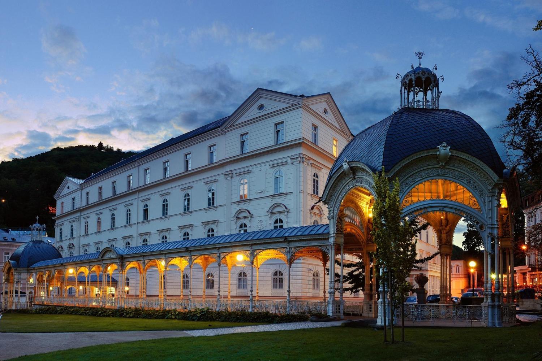 Karlovy Vary & Spa Carlsbad Tour From Prague