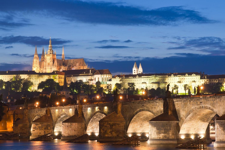Prague Dinner Cruise On The Vltava River With Buffet