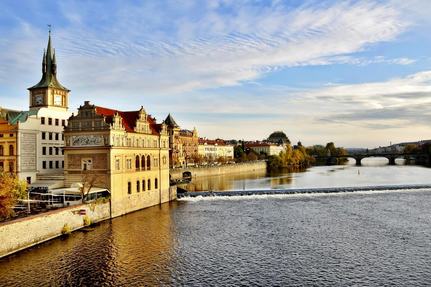 Prague Lunch Cruise On The Vlatva River - Ticket & Lunch Only
