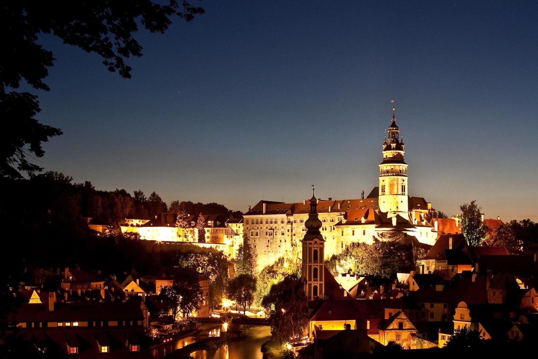 Cesky Krumlov 2-Day Tour From Prague