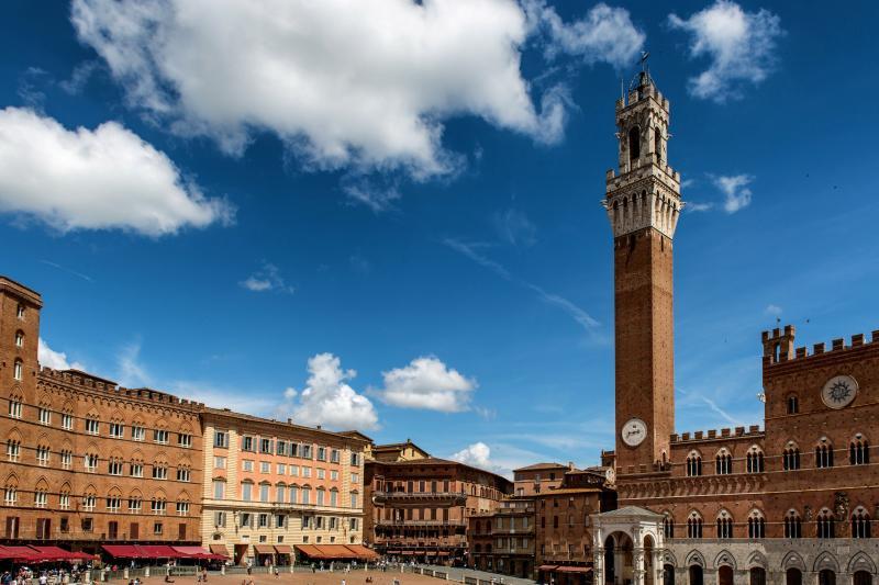 Italian Florence: Siena, Monteriggioni, S.Gimignano And