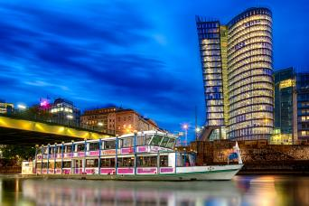 Evening Boat Cruise with Viennese Songs