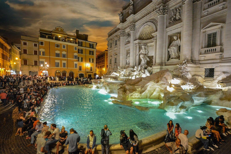See Michelangelo's Pieta illuminated