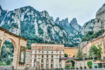 Gray Line Montserrat Morning Tour From Barcelona
