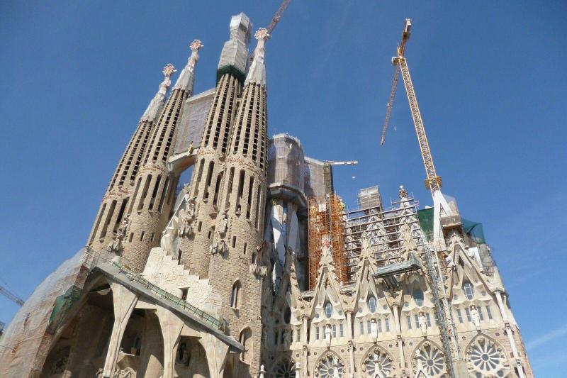 Sagrada Familia Fast Track Guided Tour Barcelona Spain Gray Line