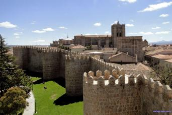 Gray Line Avila & Segovia Day Trip From Madrid