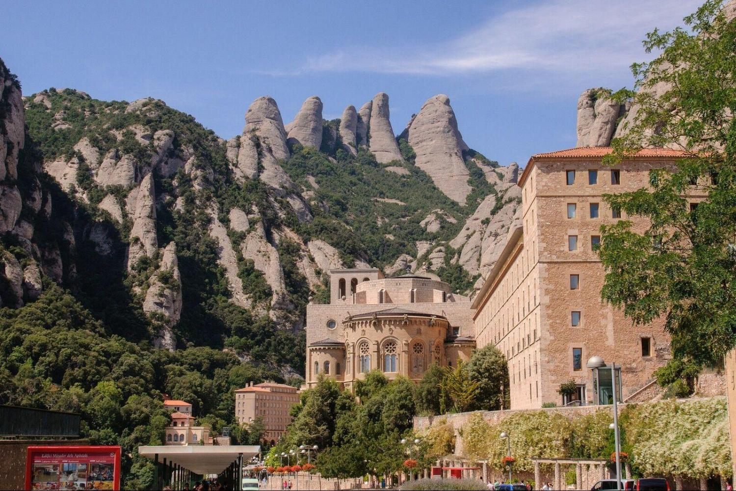Girona & Montserrat With Cog-Wheel Train Day Trip From Barcelona