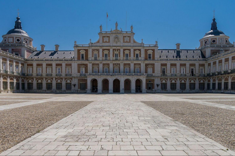 Hapsburg Madrid Walking Tour & Royal Palace - Small Group