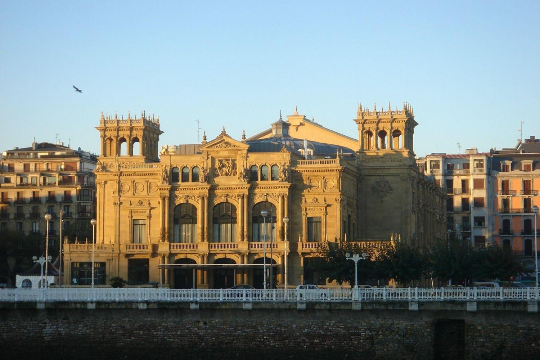 Sanctuary of Loyola, Getaria, Zarauz & San Sebastian Full-Day Tour From Bilbao