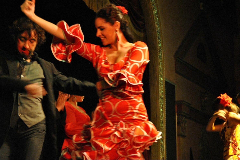 Flamenco Class & Show At Café de Chinitas