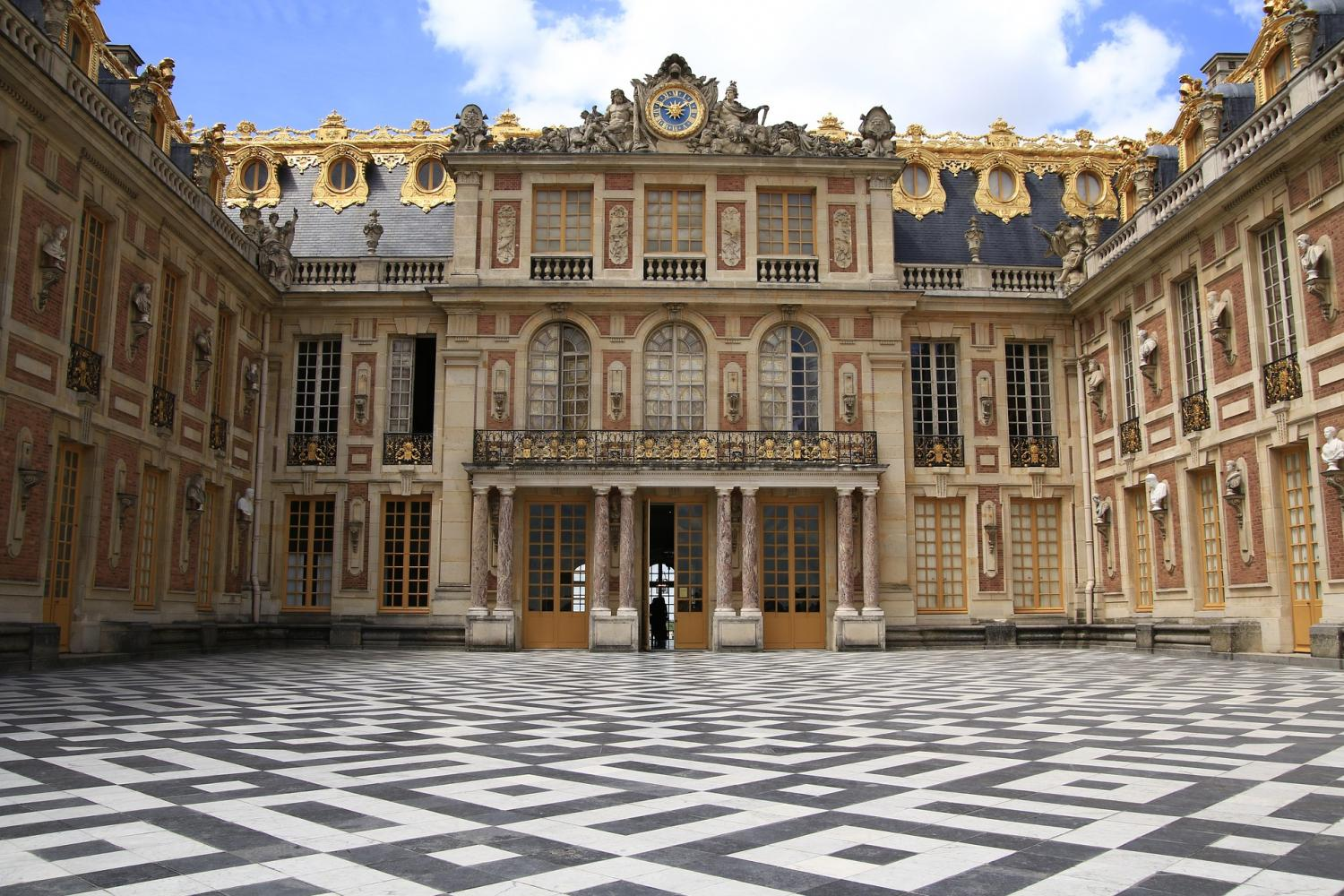 Skip-the-Line Versailles Small Group Tour from Paris
