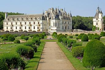 Gray Line 3 Day Trip to Normandy, Mont Saint Michel & the Loire Valley Castles