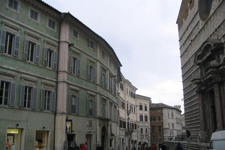 Discovery Walking Tour in Perugia Morning