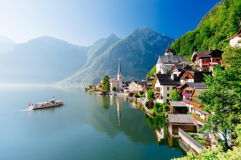 Hallstatt in Austria (c) VIENNA SIGHTSEEING TOURS/Bernhard Luck
