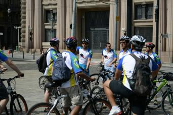 Gray Line Bike Tour - Sugar Loaf, Downtown and Olympic Boulevard