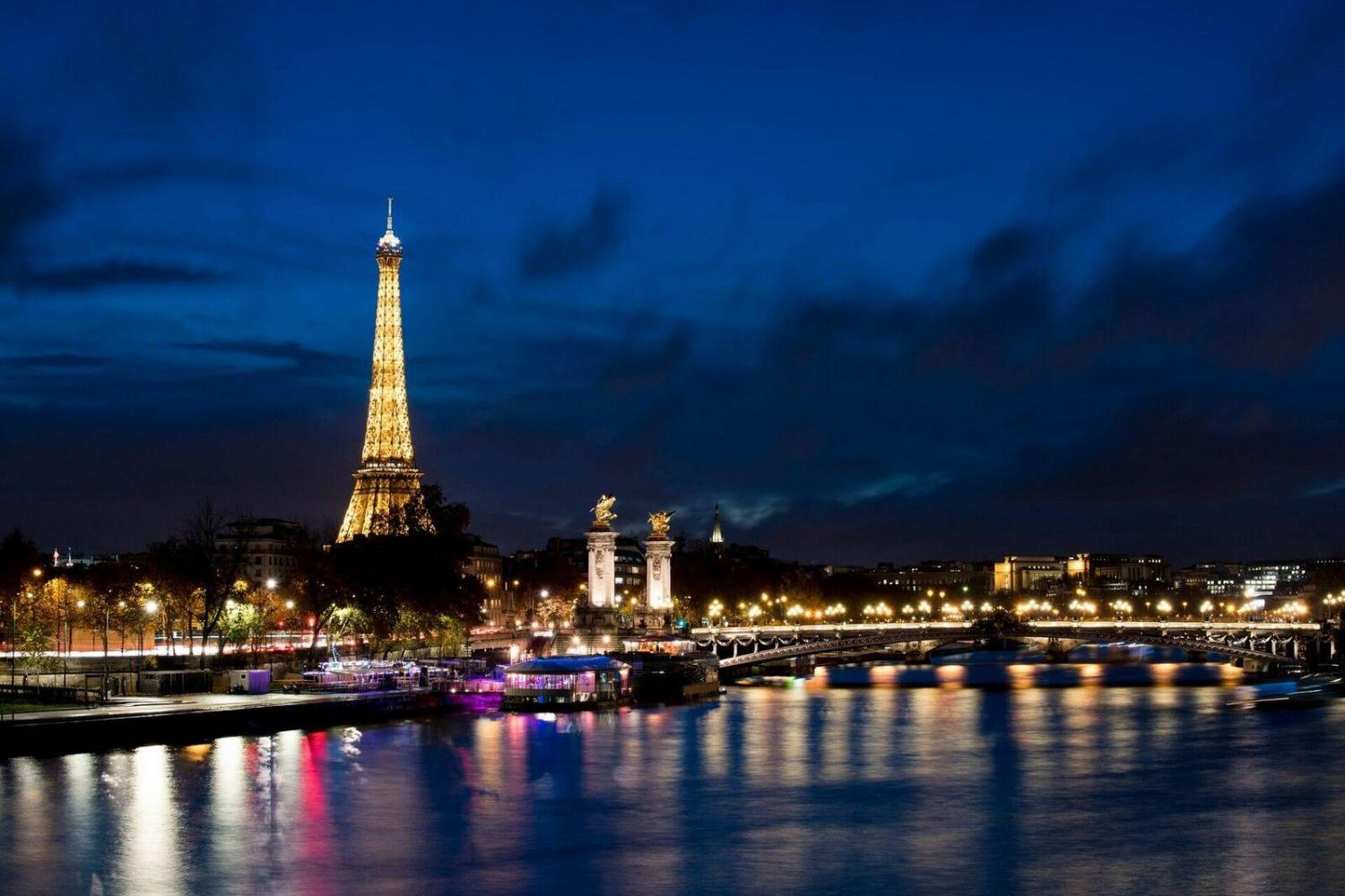 Romantic Marina Champagne Dinner Cruise on Seine River