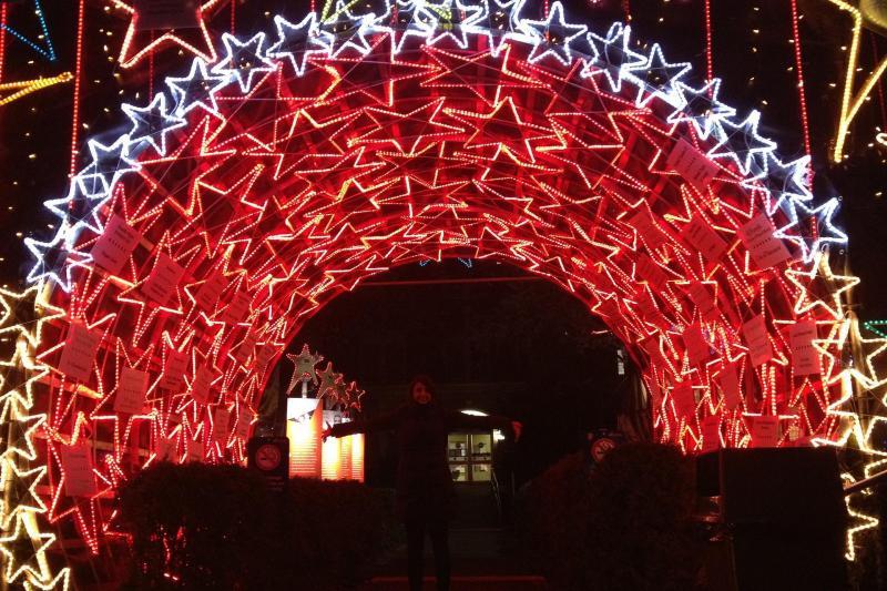 Vancouver Christmas Lights.Vancouver Karaoke Christmas Lights Trolley