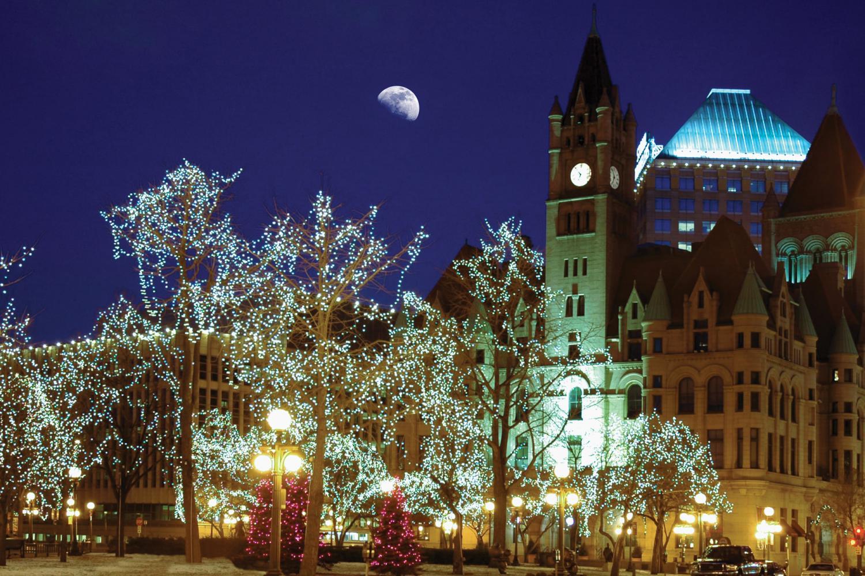 Minneapolis Holiday Lights Tour