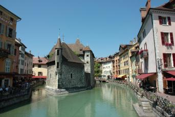 Gray Line Annecy City Tour - The Venice Of The Alps